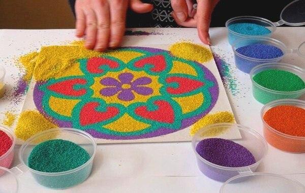 Мандала из цветного песка